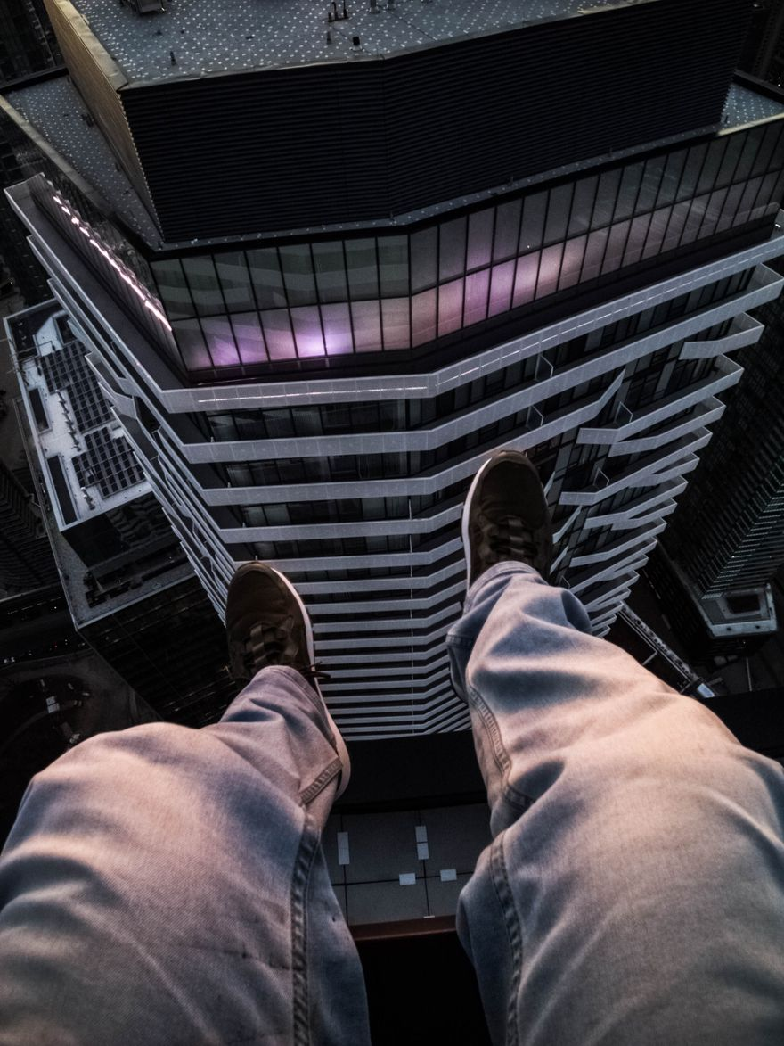 47mind sitting on the edge of a skyscraper in Toronto
